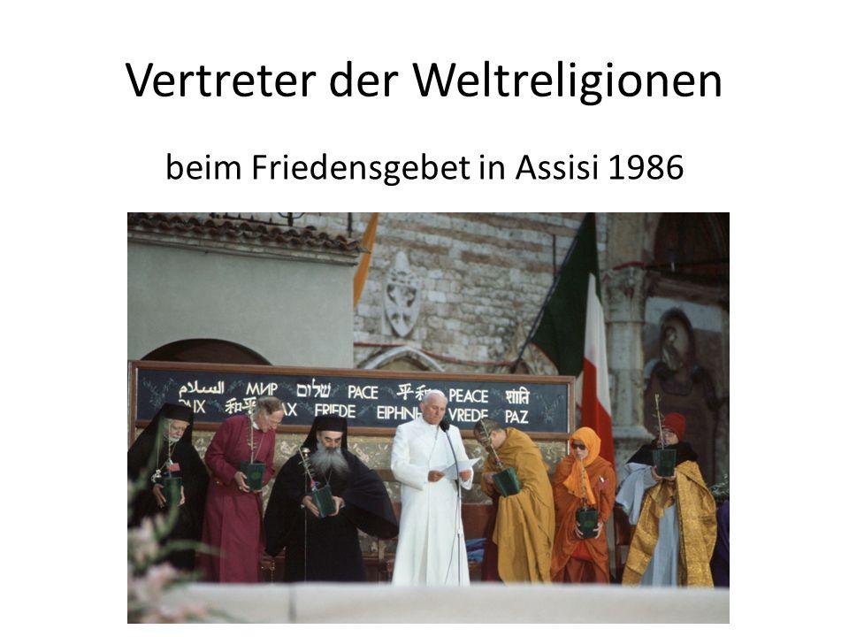 Vertreter der Weltreligionen beim Friedensgebet in Assisi 1986