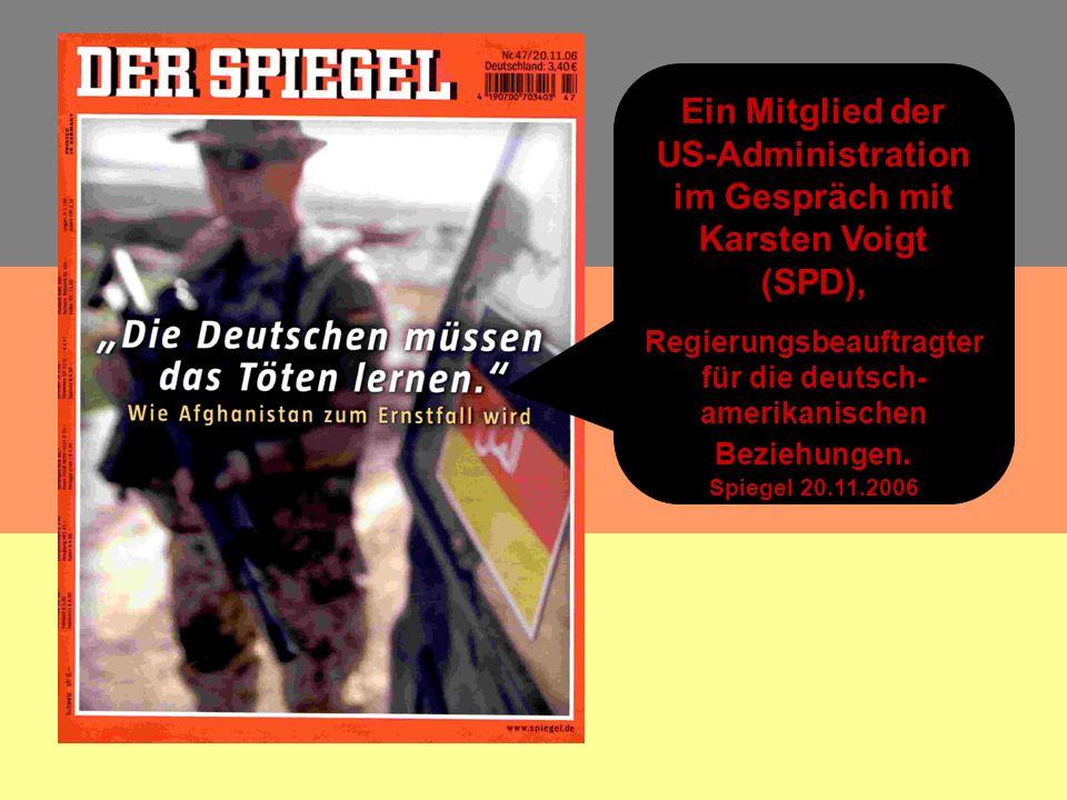 Ein Mitglied der US-Administration im Gespräch mit Karsten Voigt (SPD), Regierungsbeauftragter für die deutsch- amerikanischen Beziehungen.
