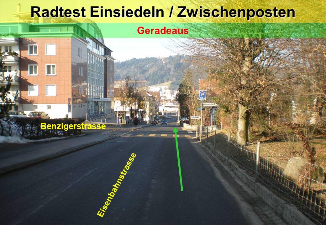 Radtest Einsiedeln / Posten 9 Eisenbahnstrasse Rechtsabbiegen auf Schulhausareal Zeichengabe / Vortritt (Fussgänger)