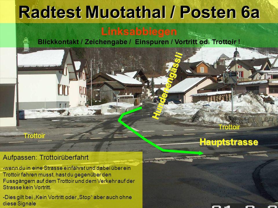 hea / 21.02.06 Trottoir Aufpassen: Trottoirüberfahrt -wenn du in eine Strasse einfährst und dabei über ein Trottoir fahren musst, hast du gegenüber de