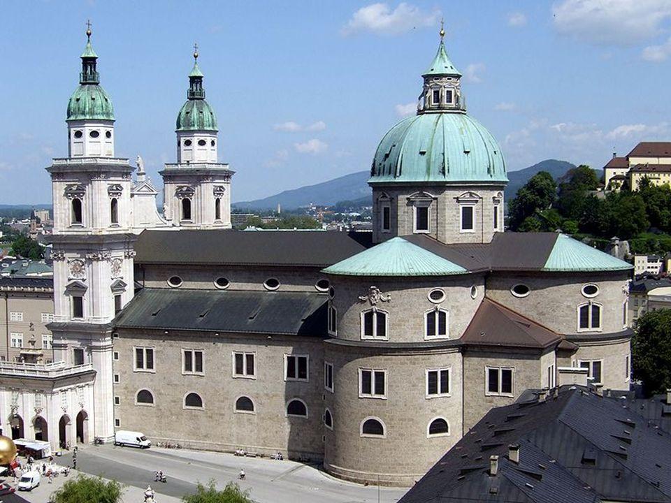 Siebzehnhundertzweiundachtzig übersiedelte Mozart nach Wien.