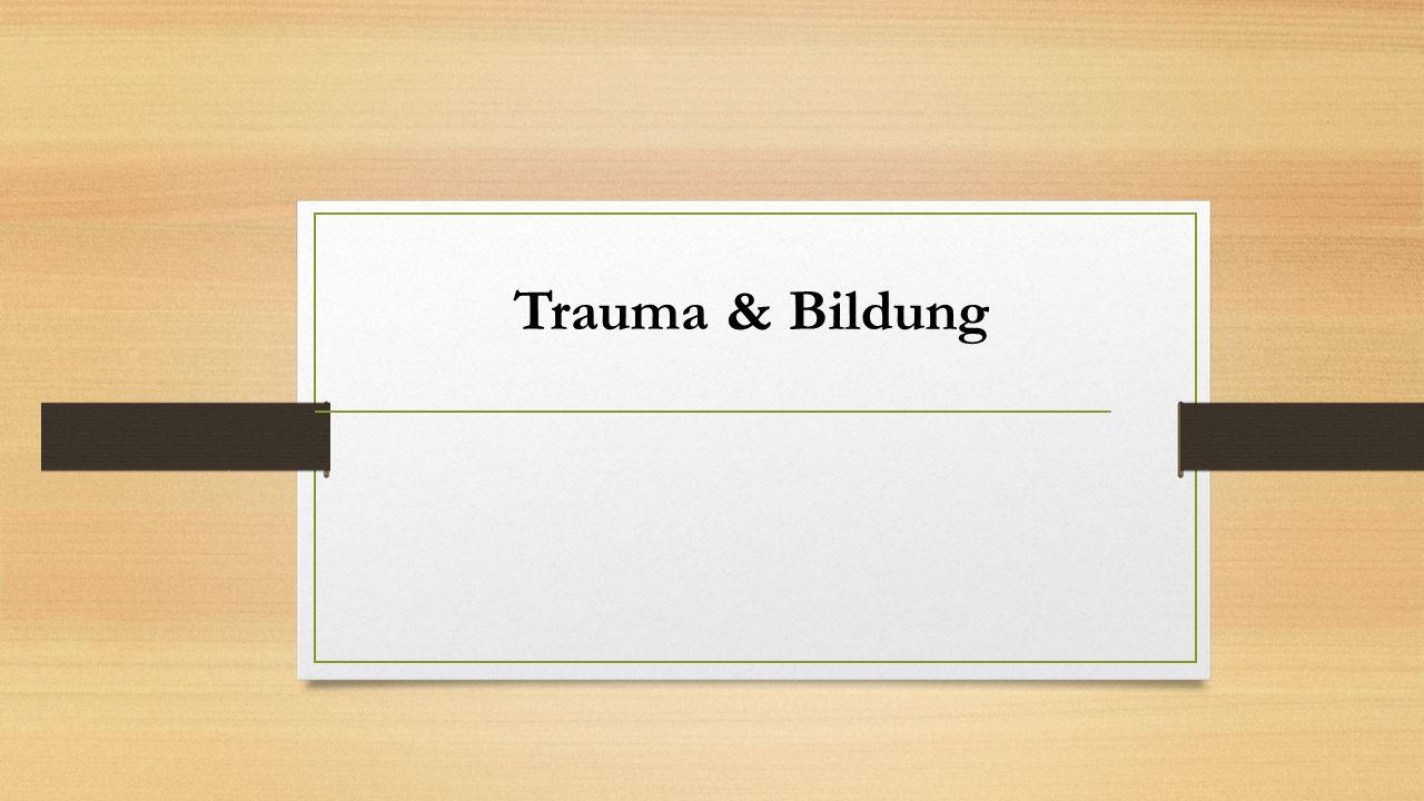 """Trauma """"[…] ein belastendes Ereignis oder eine Situation kürzerer oder längerer Dauer, mit außergewöhnlicher Bedrohung oder katastrophenartigem Ausmaß […]. (International Statistical Classification of Diseases and Related Health Problems (ICD-10) der WHO) Posttraumatisches Belastungssyndrom (PTBS) """"[…] eine mögliche Folgereaktion eines oder mehrerer traumatischer Ereignisse […], die an der eigenen Person, aber auch an fremden Personen erlebt werden können. (S3 - Leitlinie Posttraumatische Belastungsstörung, vgl."""