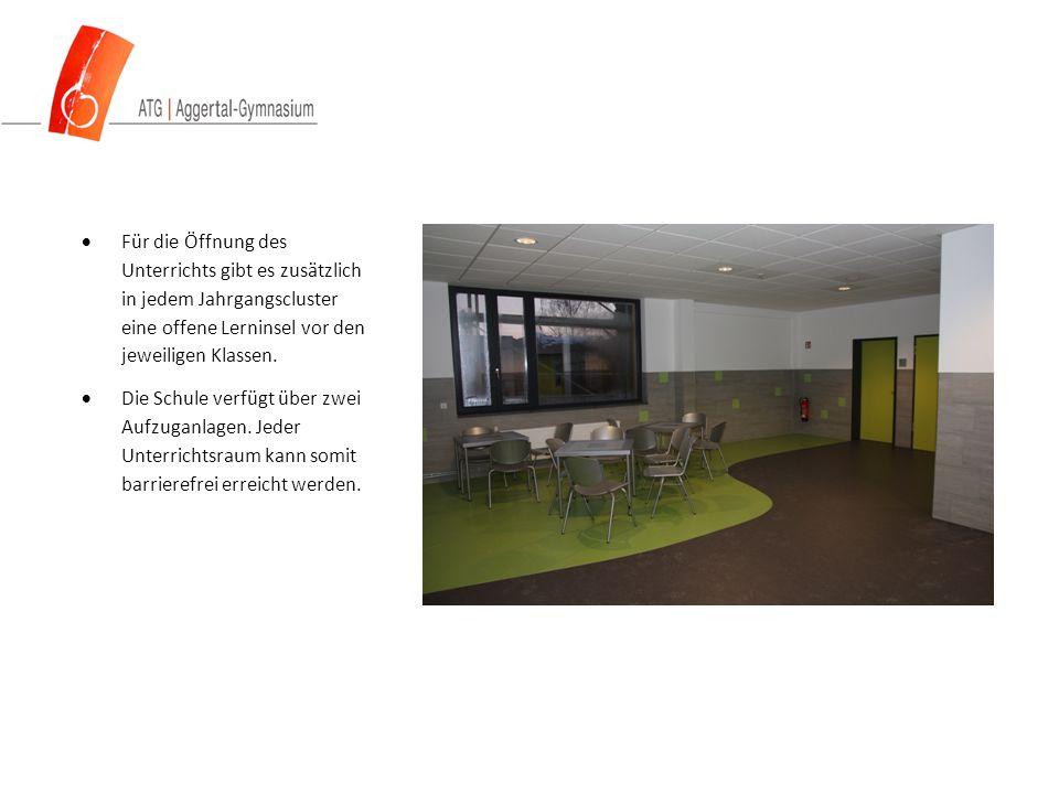  Für die Öffnung des Unterrichts gibt es zusätzlich in jedem Jahrgangscluster eine offene Lerninsel vor den jeweiligen Klassen.