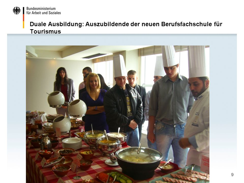 Duale Ausbildung: Auszubildende der neuen Berufsfachschule für Tourismus http://www.grde.eu9