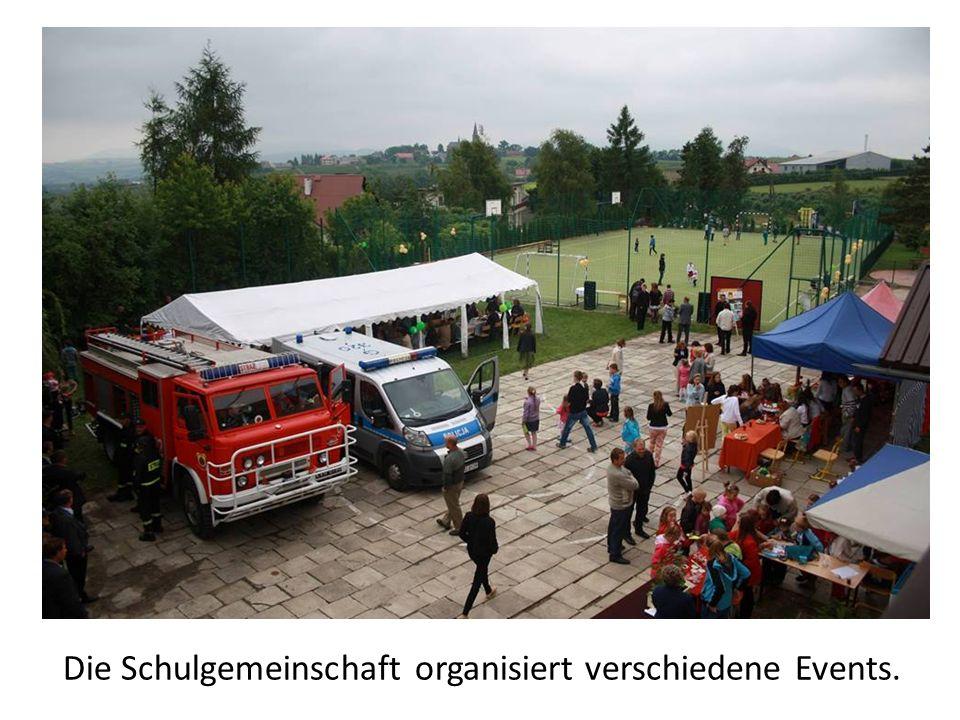 Die Schulgemeinschaft organisiert verschiedene Events.