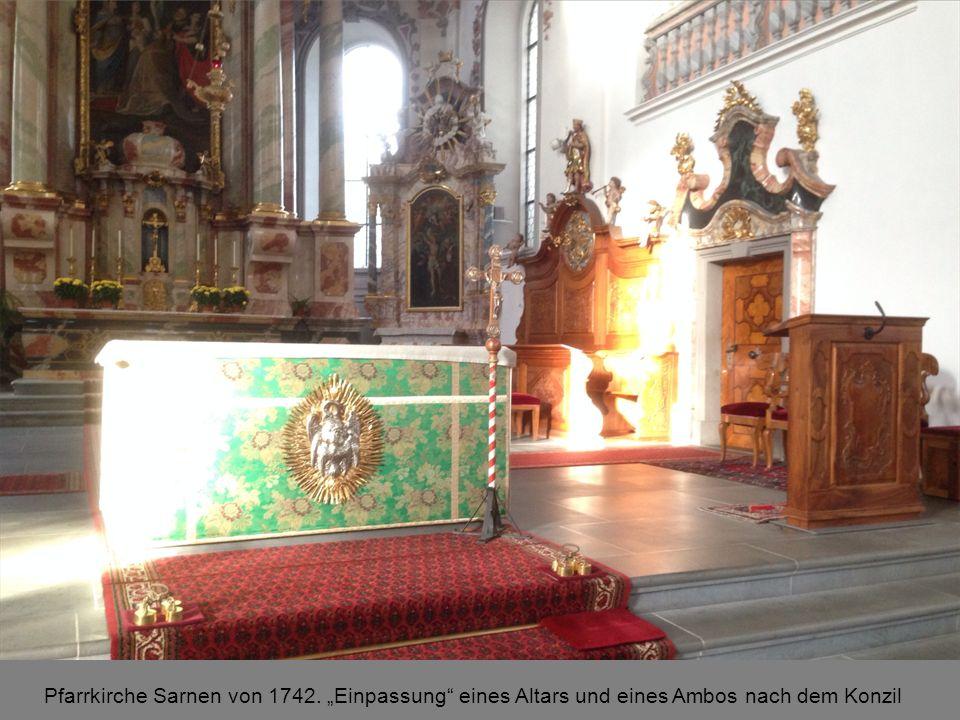 """Pfarrkirche Sarnen von 1742. """"Einpassung eines Altars und eines Ambos nach dem Konzil"""