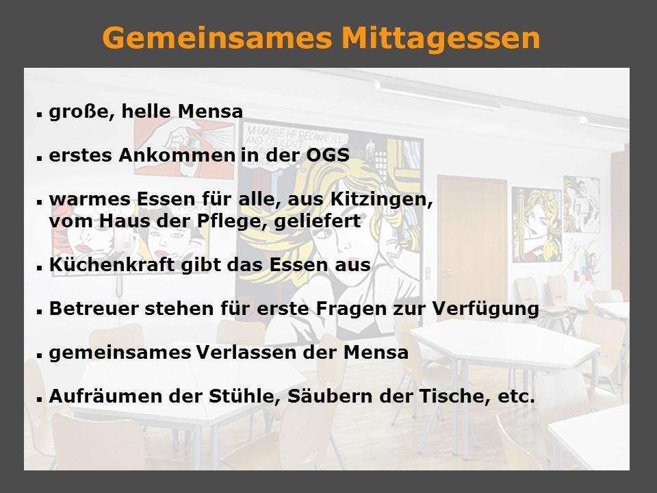 große, helle Mensa erstes Ankommen in der OGS warmes Essen für alle, aus Kitzingen, vom Haus der Pflege, geliefert Küchenkraft gibt das Essen aus Betr