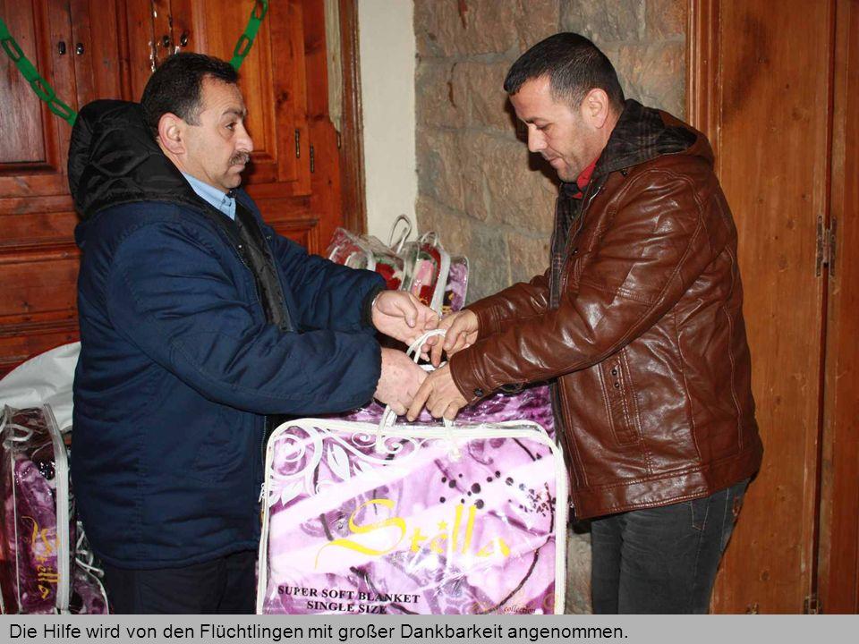 Die Hilfe wird von den Flüchtlingen mit großer Dankbarkeit angenommen.