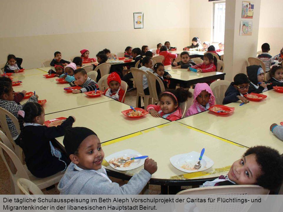 Die tägliche Schulausspeisung im Beth Aleph Vorschulprojekt der Caritas für Flüchtlings- und Migrantenkinder in der libanesischen Hauptstadt Beirut.