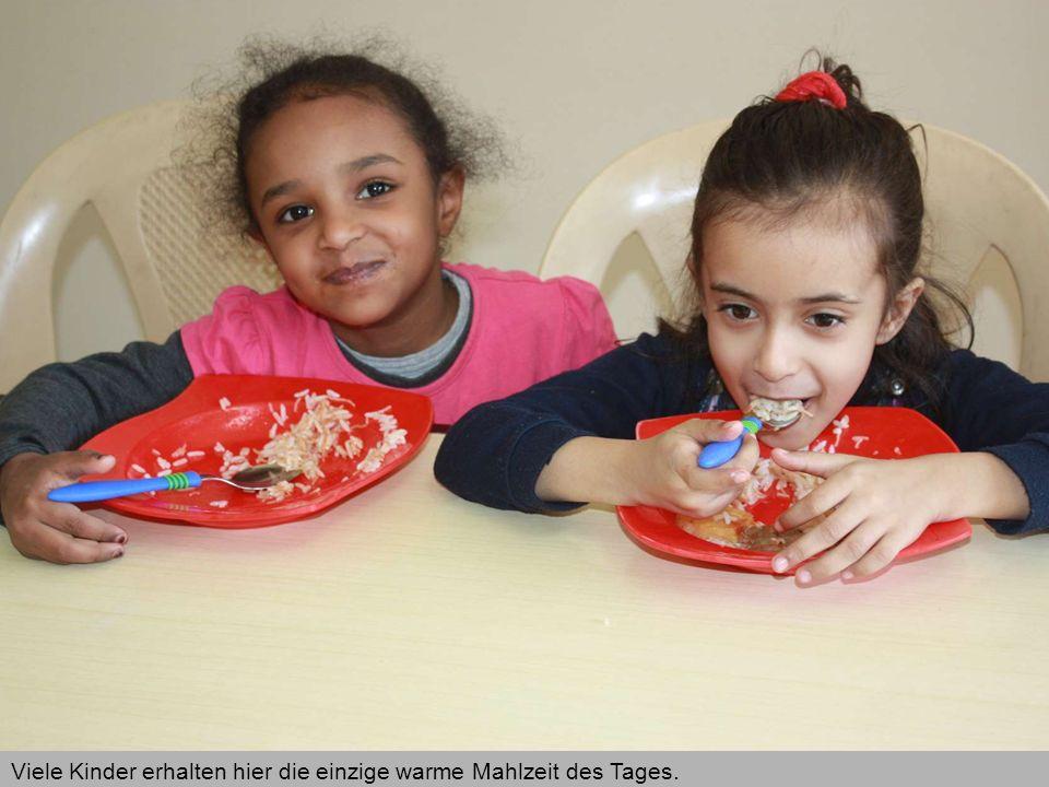 Viele Kinder erhalten hier die einzige warme Mahlzeit des Tages.
