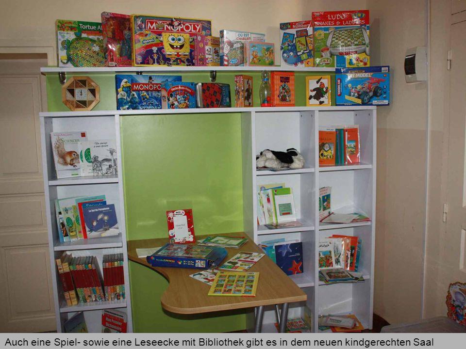 Auch eine Spiel- sowie eine Leseecke mit Bibliothek gibt es in dem neuen kindgerechten Saal