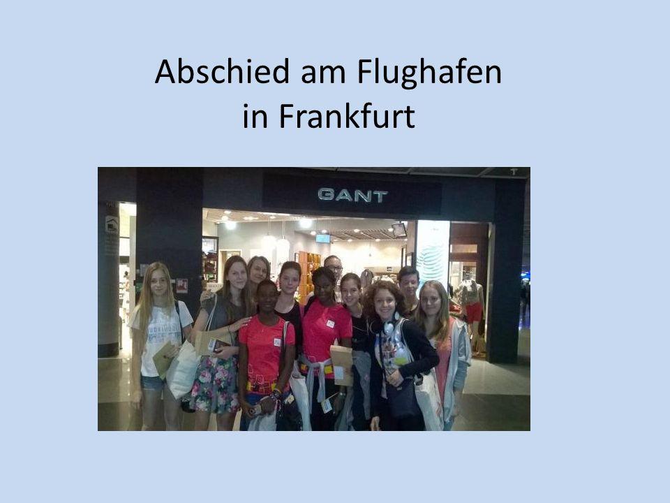 Abschied am Flughafen in Frankfurt