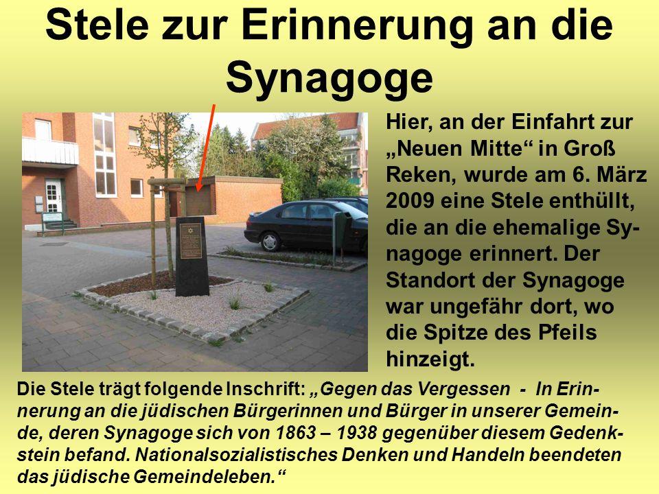 """Stele zur Erinnerung an die Synagoge Hier, an der Einfahrt zur """"Neuen Mitte"""" in Groß Reken, wurde am 6. März 2009 eine Stele enthüllt, die an die ehem"""