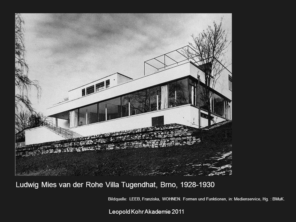 """Leopold Kohr Akademie 2011 """"concentric zone theory → weitere Stadtgebieten in konzentrischen Kreisen."""