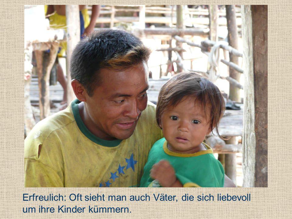 Erfreulich: Oft sieht man auch Väter, die sich liebevoll um ihre Kinder kümmern.