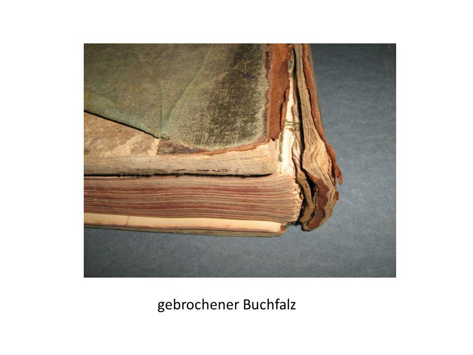 gebrochener Buchfalz