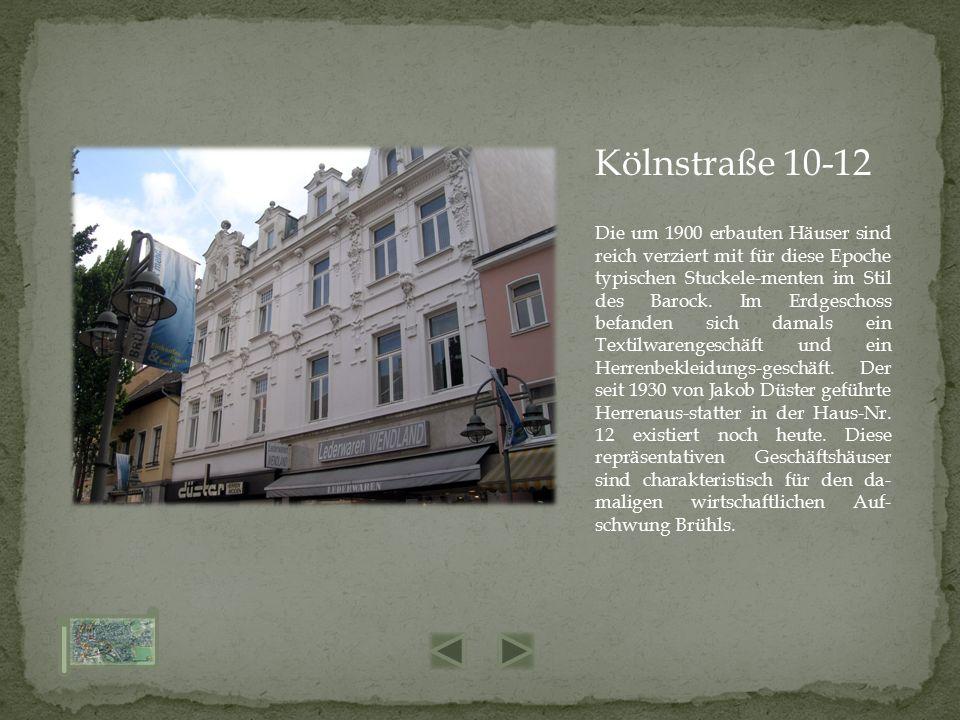 Die um 1900 erbauten Häuser sind reich verziert mit für diese Epoche typischen Stuckele-menten im Stil des Barock. Im Erdgeschoss befanden sich damals