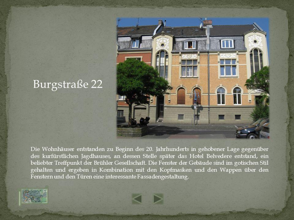 Die Wohnhäuser entstanden zu Beginn des 20. Jahrhunderts in gehobener Lage gegenüber des kurfürstlichen Jagdhauses, an dessen Stelle später das Hotel