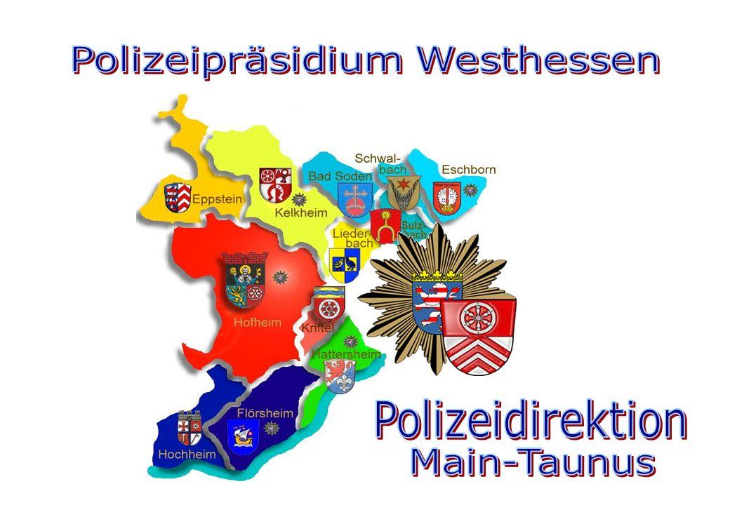 Präsentation der PD Main-Taunus, Stand: Oktober 2014 P o l i z e i d i r e k t i o n M a i n – T a u n u s Agenda 2 3Begrüßung 4Lage des Main-Taunus-Kreises 5-7Informationen zum Main-Taunus-Kreis 8Landrat und Bürgermeister/innen des Main-Taunus-Kreises 9Organigramm des Polizeipräsidiums Westhessen 10Organigramm der Polizeidirektion Main-Taunus 11Organigramm der Regionalen Kriminalinspektion 12Leitung der Polizeidirektion 13Polizeistation Eschborn 14Polizeistation Flörsheim 15Polizeistation Hofheim 16Polizeistation Kelkheim 17Regionaler Verkehrsdienst 18Regionale Kriminalinspektion 19Kriminalitätsentwicklung 20Straftatenobergruppen 21Häufigkeitszahlen 22Top 20-Delikte 23 Gesamtentwicklung der Verkehrsunfälle 24 Hauptunfallursachen 25 Gesamtunfallzahlen und Verkehrsunfallflucht 26 Unfallhäufigkeitszahlen 27 Verkehrsunfallentwicklung in den Kommunen 28 Präventionsrat 29-31Ziele 2014