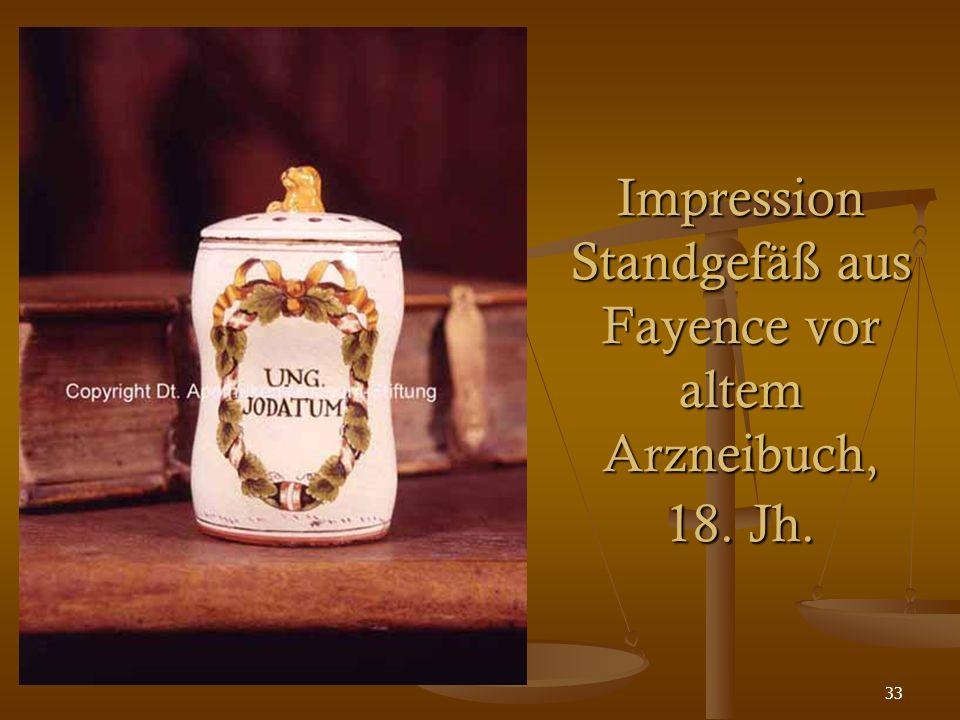 33 Impression Standgefäß aus Fayence vor altem Arzneibuch, 18. Jh.