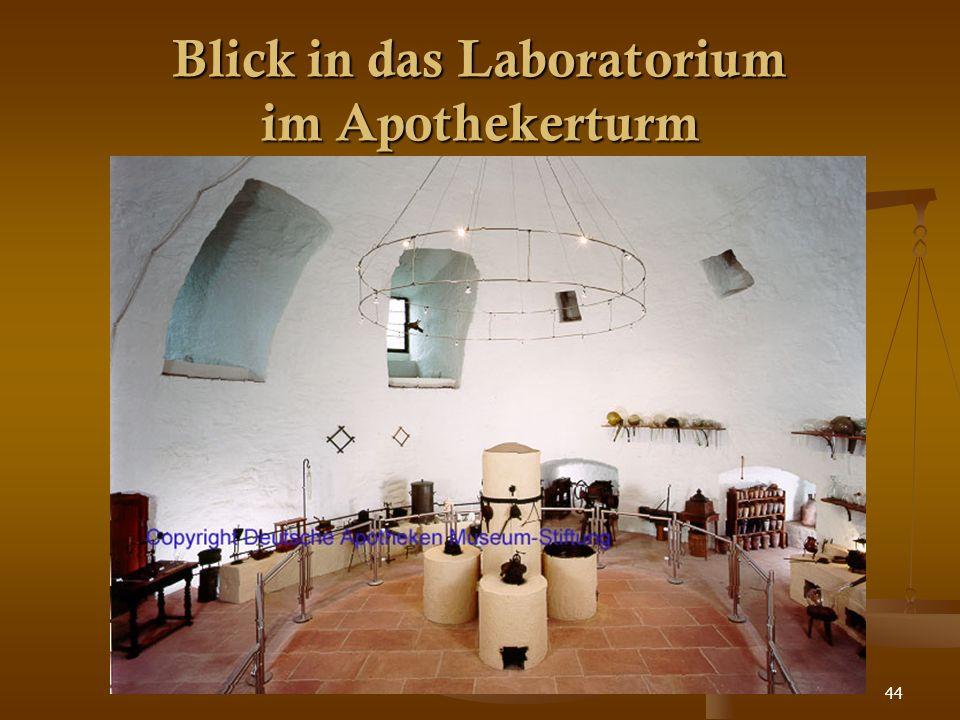 44 Blick in das Laboratorium im Apothekerturm
