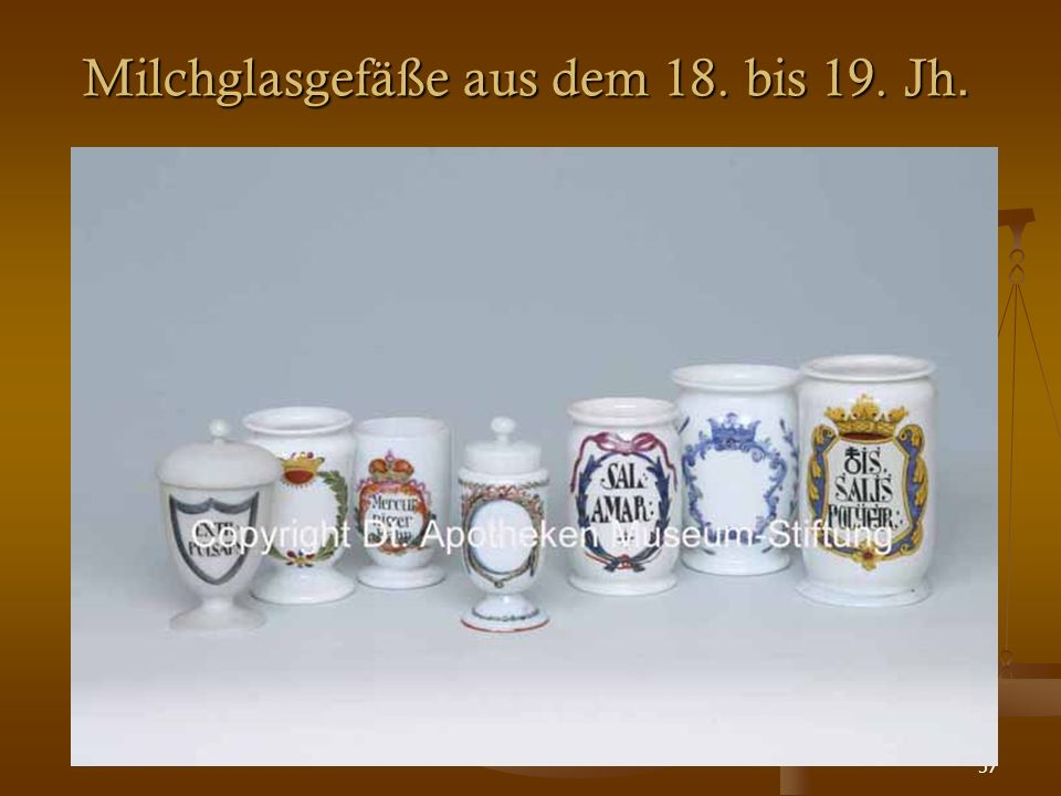 57 Milchglasgefäße aus dem 18. bis 19. Jh.