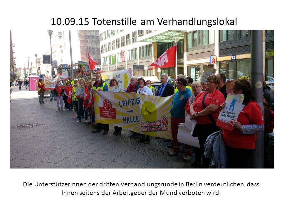 10.09.15 Totenstille am Verhandlungslokal Die UnterstützerInnen der dritten Verhandlungsrunde in Berlin verdeutlichen, dass Ihnen seitens der Arbeitgeber der Mund verboten wird.
