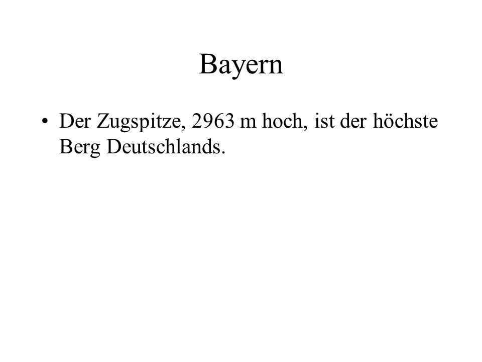 Bayern Der Zugspitze, 2963 m hoch, ist der höchste Berg Deutschlands.
