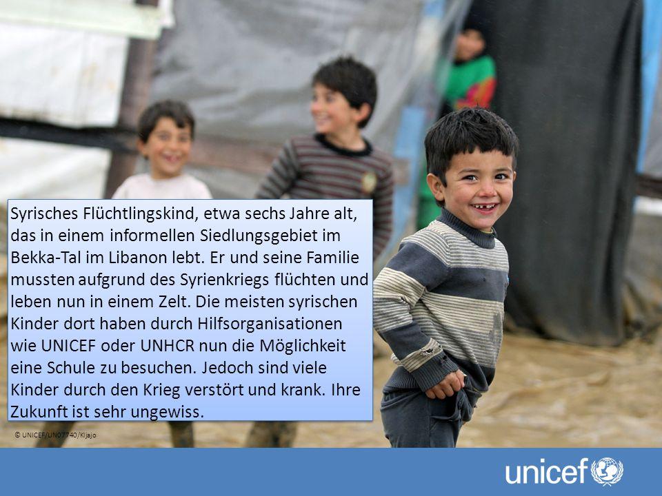 Syrisches Flüchtlingskind, etwa sechs Jahre alt, das in einem informellen Siedlungsgebiet im Bekka-Tal im Libanon lebt.