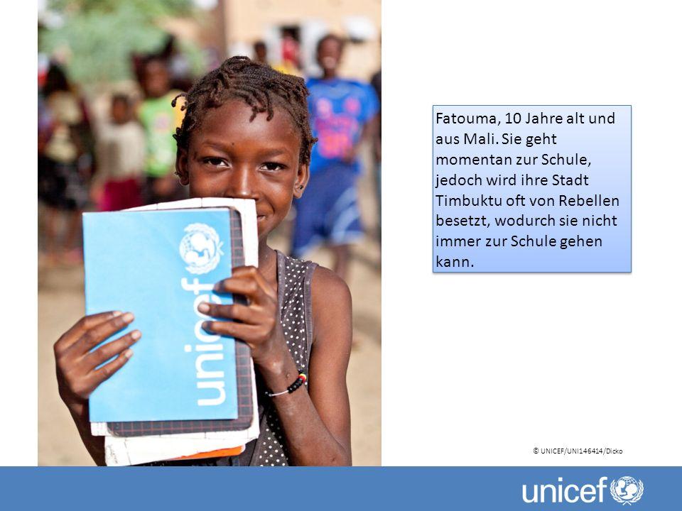 Fatouma, 10 Jahre alt und aus Mali. Sie geht momentan zur Schule, jedoch wird ihre Stadt Timbuktu oft von Rebellen besetzt, wodurch sie nicht immer zu