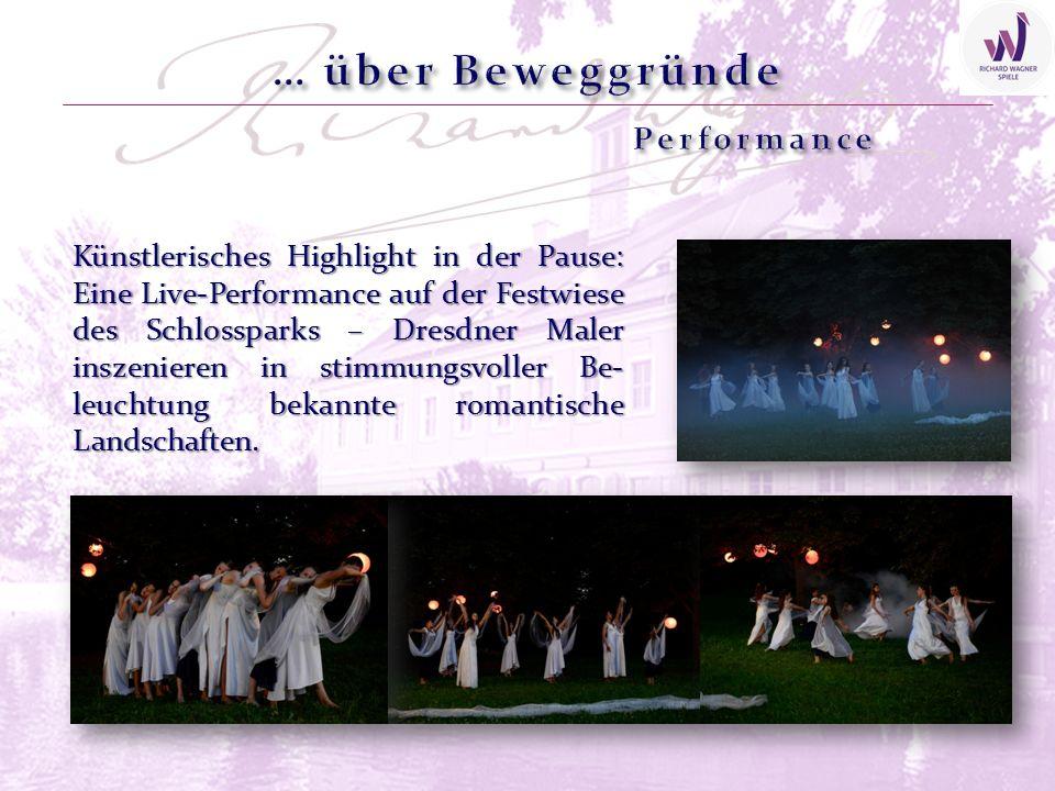 Künstlerisches Highlight in der Pause: Eine Live-Performance auf der Festwiese des Schlossparks – Dresdner Maler inszenieren in stimmungsvoller Be- le