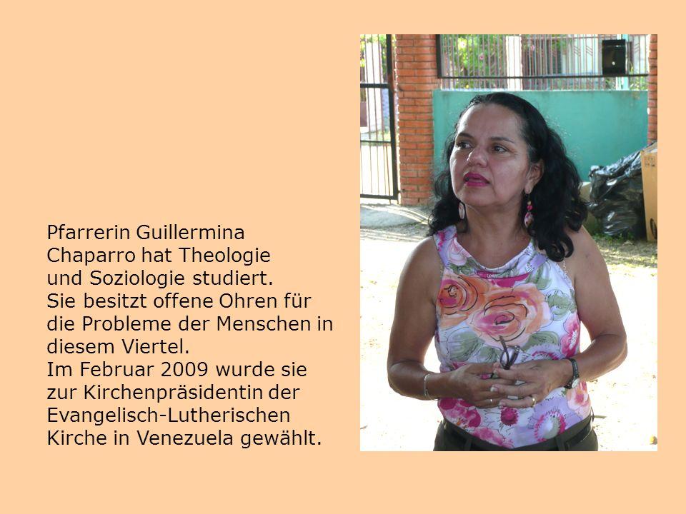 Pfarrerin Guillermina Chaparro hat Theologie und Soziologie studiert. Sie besitzt offene Ohren für die Probleme der Menschen in diesem Viertel. Im Feb