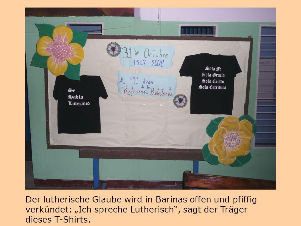 """Der lutherische Glaube wird in Barinas offen und pfiffig verkündet: """"Ich spreche Lutherisch"""", sagt der Träger dieses T-Shirts."""
