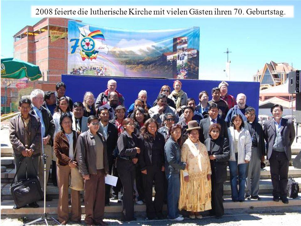 2008 wurden die ersten Pfarrerinnen der IELB ordiniert: Erlini Tola und Maritza Castañeta
