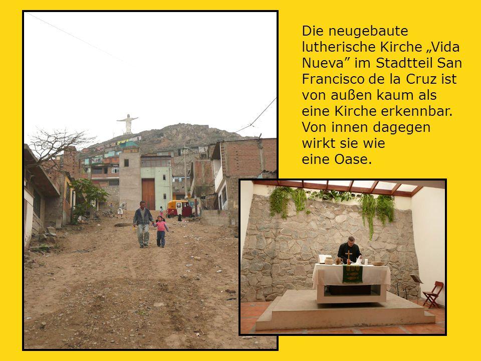 """Die neugebaute lutherische Kirche """"Vida Nueva im Stadtteil San Francisco de la Cruz ist von außen kaum als eine Kirche erkennbar."""