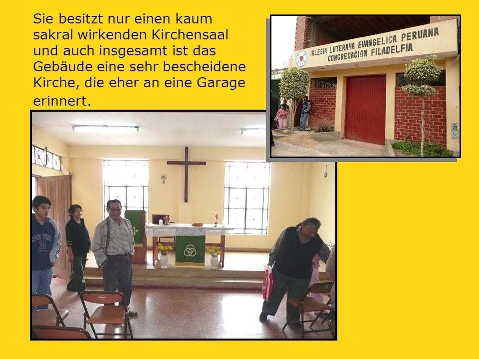 Sie besitzt nur einen kaum sakral wirkenden Kirchensaal und auch insgesamt ist das Gebäude eine sehr bescheidene Kirche, die eher an eine Garage erinnert.