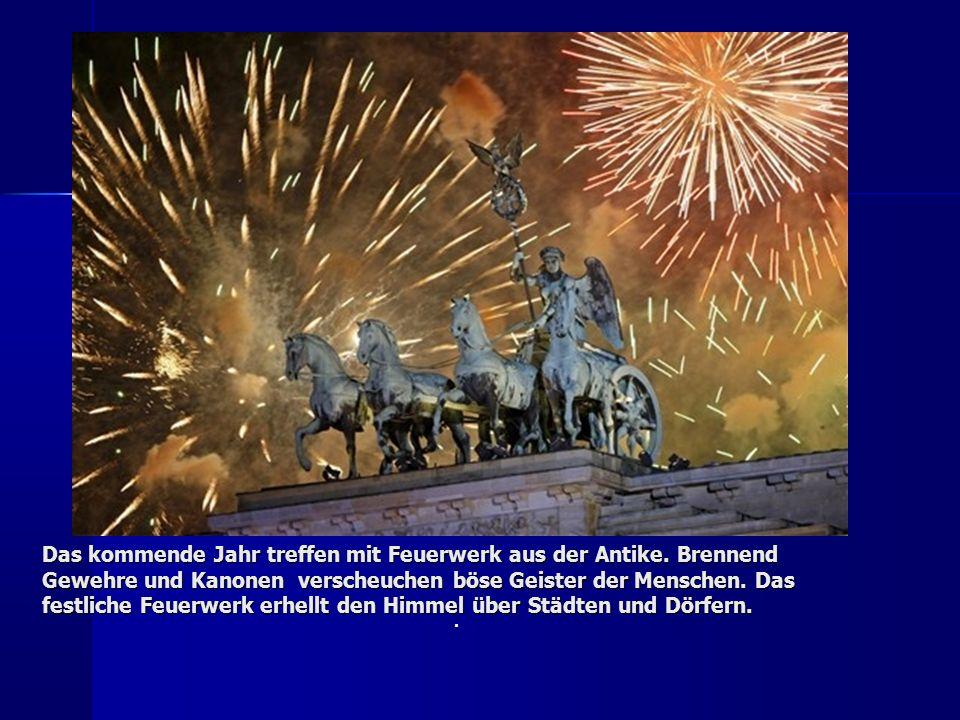 Das kommende Jahr treffen mit Feuerwerk aus der Antike.