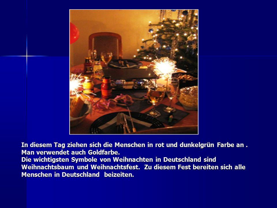 Die Vorbereitungszeit, die vier Wochen vor Weihnachten anfängt, heißt die Adventszeit.