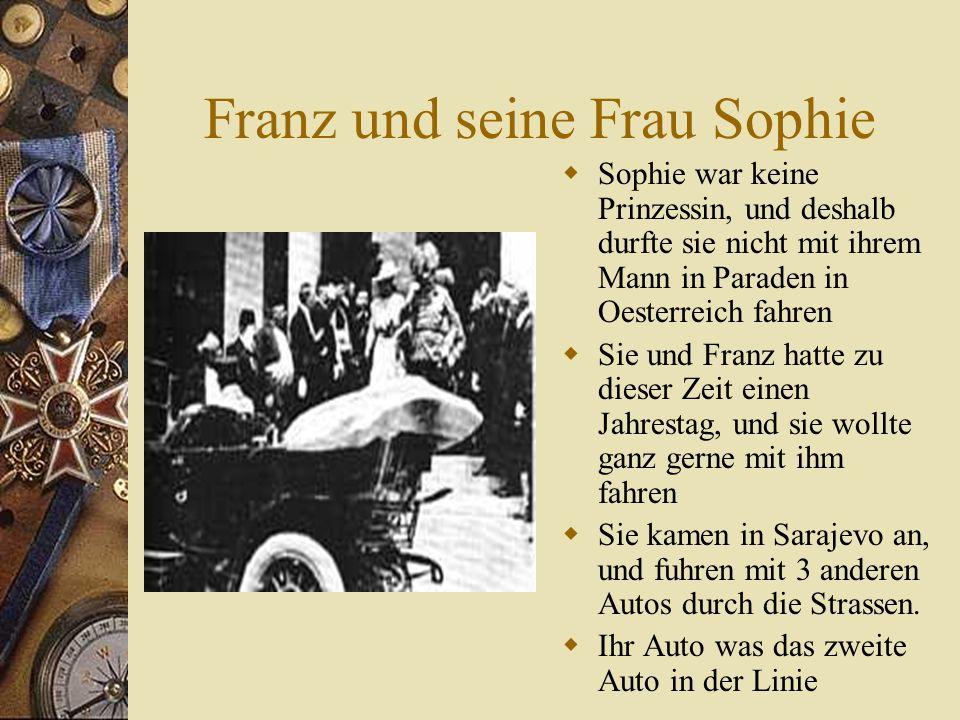 Weltkrieg. (1914)Oesterreich-Ungarn fuehrte Krieg gegen Serbien und dann Russland.