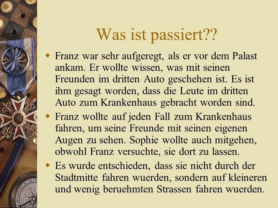 Treaty of Versailles  Deutschland hat sehr viel Land verloren  Musste viel zurueck bezahlen  Musste Schuld fuer den Krieg akzeptieren  Einschraenkungen auf dem Bundeswehr