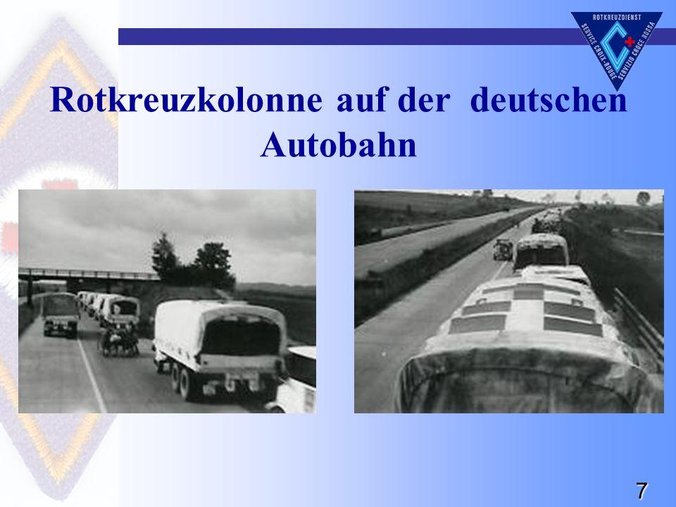 7 Rotkreuzkolonne auf der deutschen Autobahn