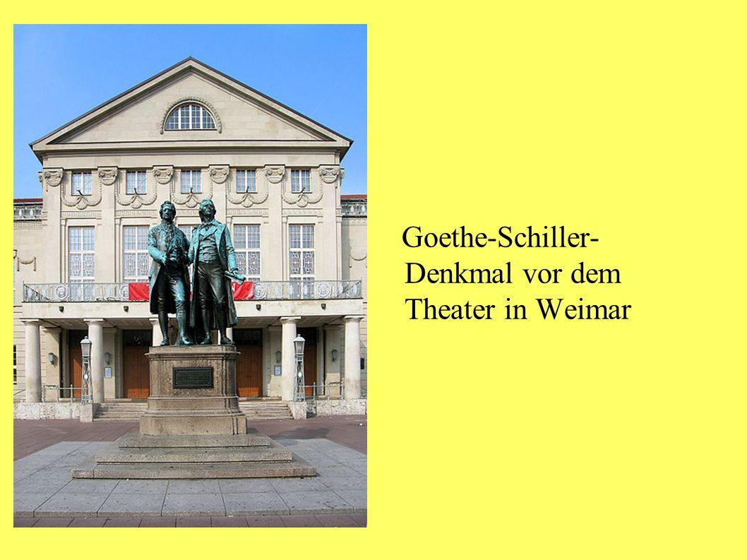 Goethe-Schiller- Denkmal vor dem Theater in Weimar
