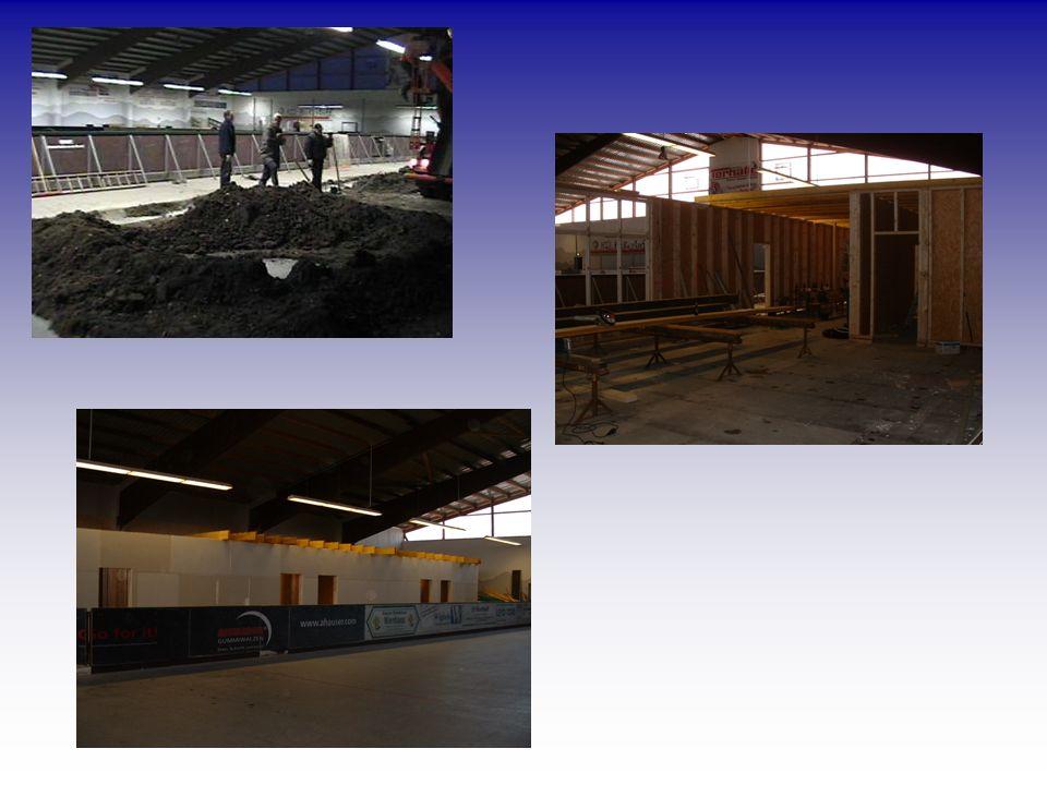 Mit der Einweihung des Rohbaus im September 2002 begann man im Januar 2003 mit dem Innenausbau der Halle. Auch hier wieder Fotos die Ihnen den Verlauf
