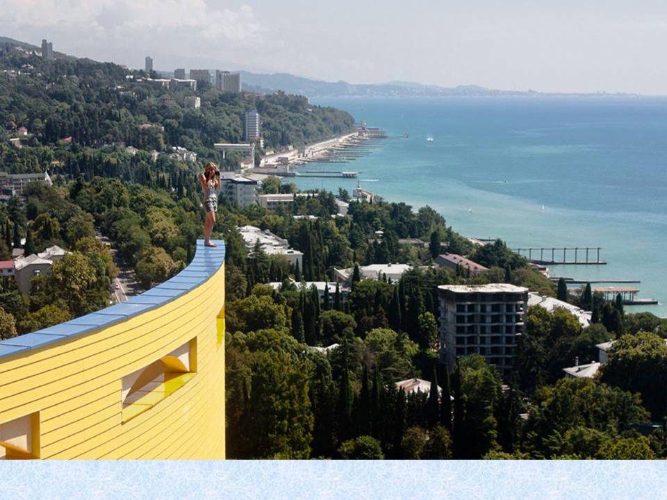 Sotschi ist einer der meistbesuchten Reiseziele in Russland. Hier sind immer Touristen.
