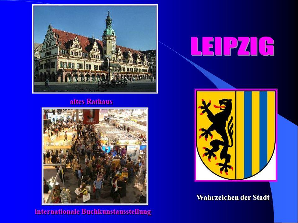 altes Rathaus internationale Buchkunstausstellung Wahrzeichen der Stadt