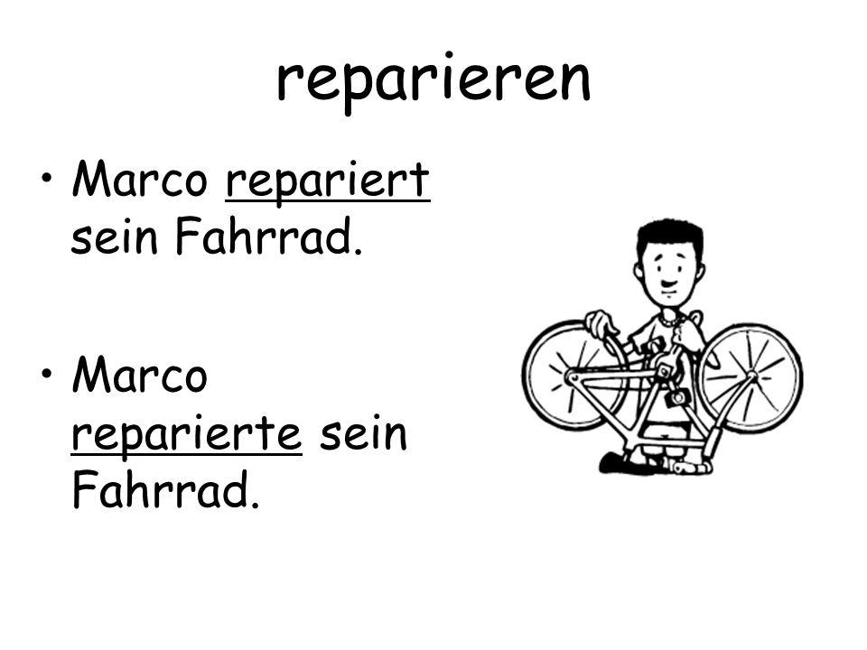 reparieren Marco repariert sein Fahrrad. Marco reparierte sein Fahrrad.