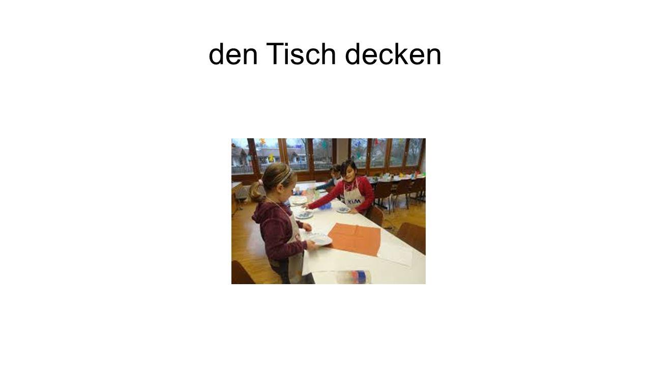 den Tisch decken