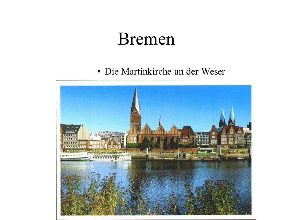 Bremen Die Martinkirche an der Weser