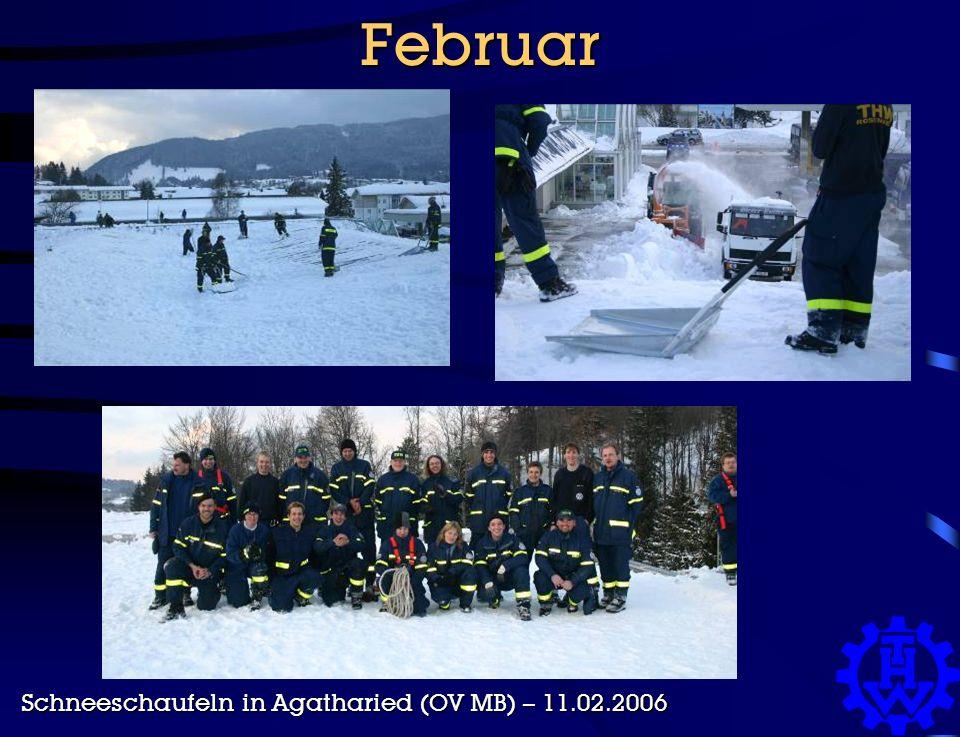 Februar Schneeschaufeln in Agatharied (OV MB) – 11.02.2006