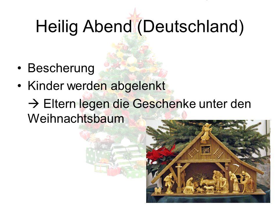 """Heilig Abend (Tschechien) Weihnachtskuchen wird gebacken (manchmal auch gekauft) Baum wird dekoriert Leute essen den ganzen Tag über nichts, um dann das """"goldene Schwein zu sehen"""